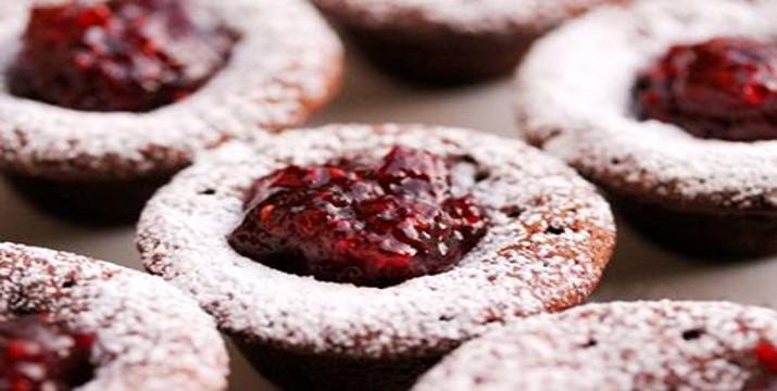 Brownies con mermelada de frambuesa