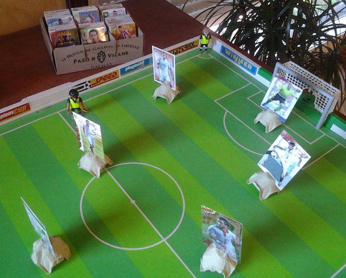 La caja de huevos camperos Pazo de Vilane se pone la camiseta y juega al fútbol