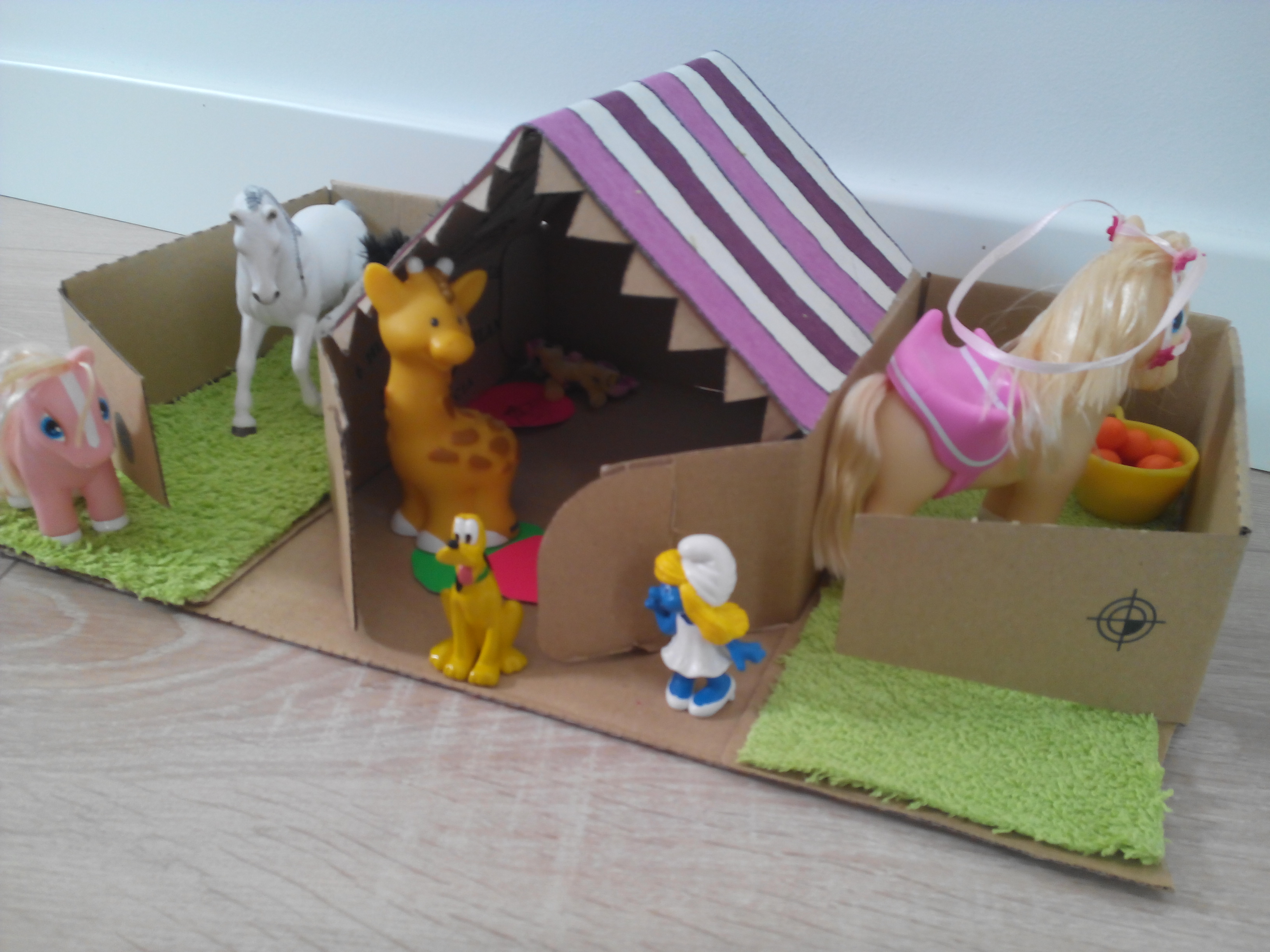 La caja de huevos camperos Pazo de Vilane se transforma en una granja