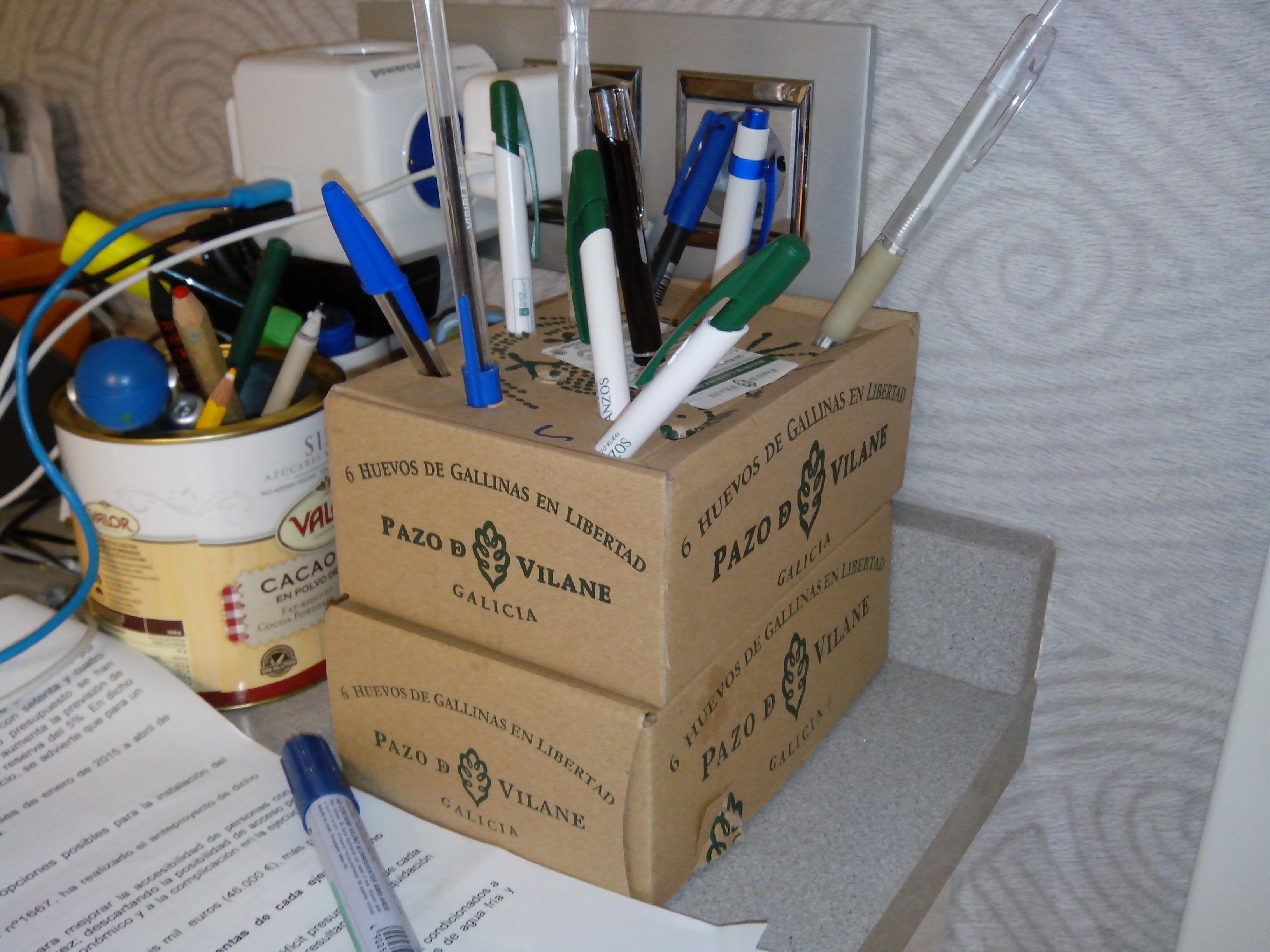 Organiza tu escritorio reutilizando la caja de huevos camperos Pazo de Vilane