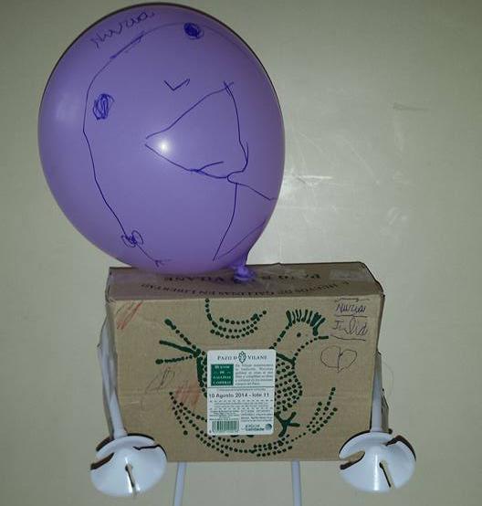 Robots y muñecos creados con la caja de huevos camperos Pazo de Vilane