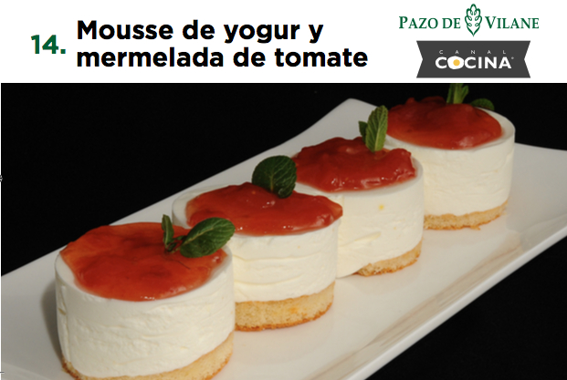 Mousse de yogur y mermelada de tomate
