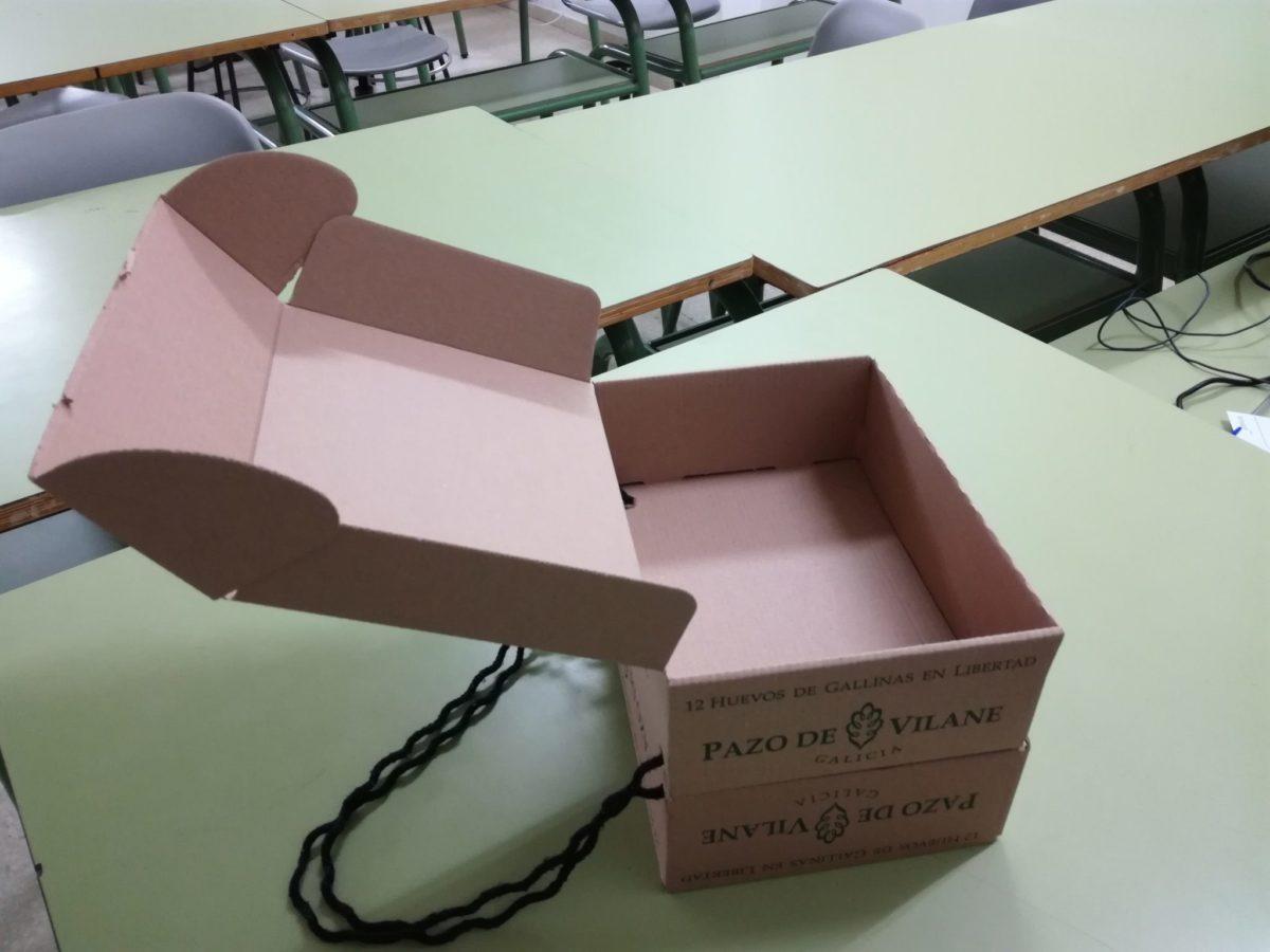 Un maletín para los desayunos y meriendas creado con la caja de huevos camperos Pazo de Vilane