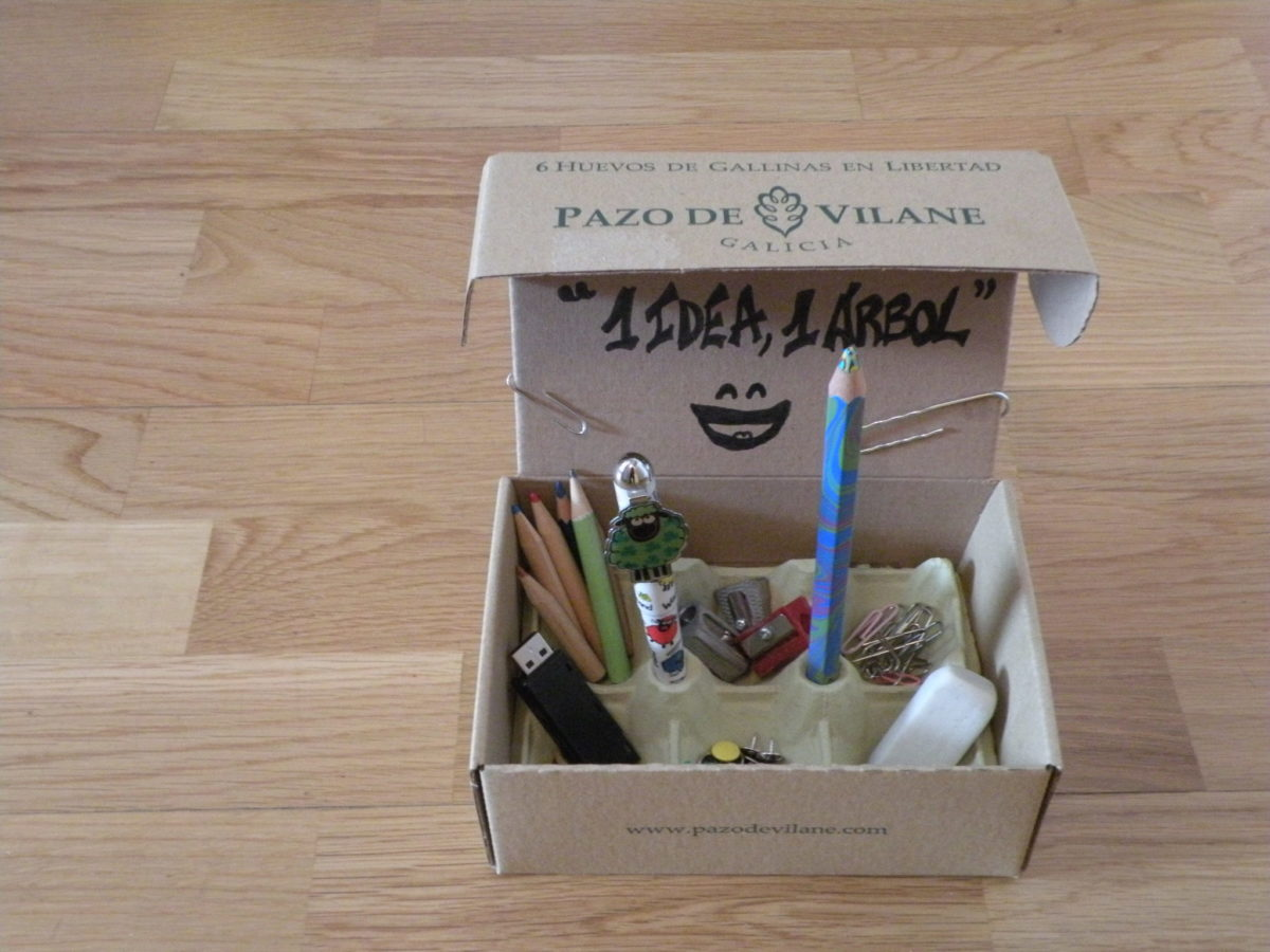Crea un portalápices con la caja de huevos camperos Pazo de Vilane