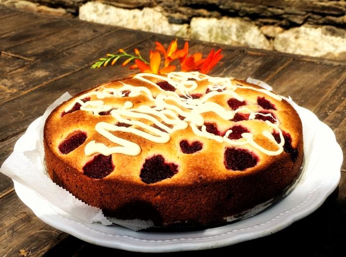 Torta holandesa con frambuesas y chocolate blanco