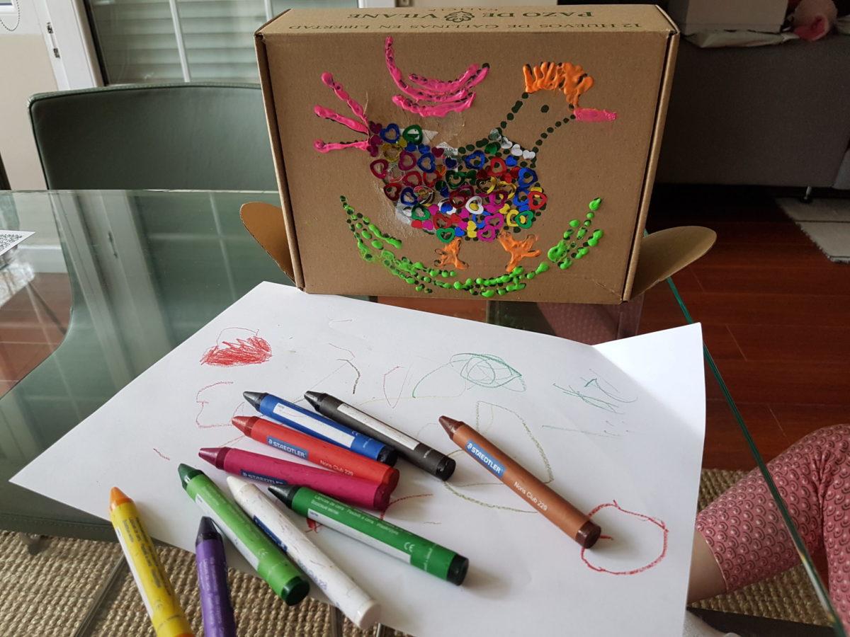Crea un estuche escolar con la caja de huevos camperos Pazo de Vilane