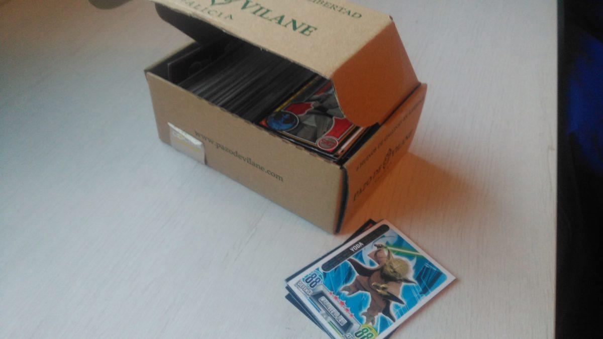 La caja de huevos camperos es ideal para guardar cromos, cartas o tarjetas.