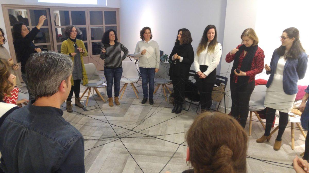 Los talleres de Emprender desde la raíz incluyen técnicas artísticas y corporales