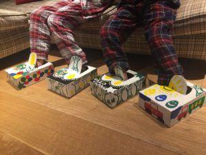 Zapatillas de casa fabricadas con las cajas de huevos camperos Pazo de Vilane