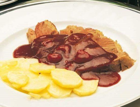 Magré de pato con salsa de frambuesas