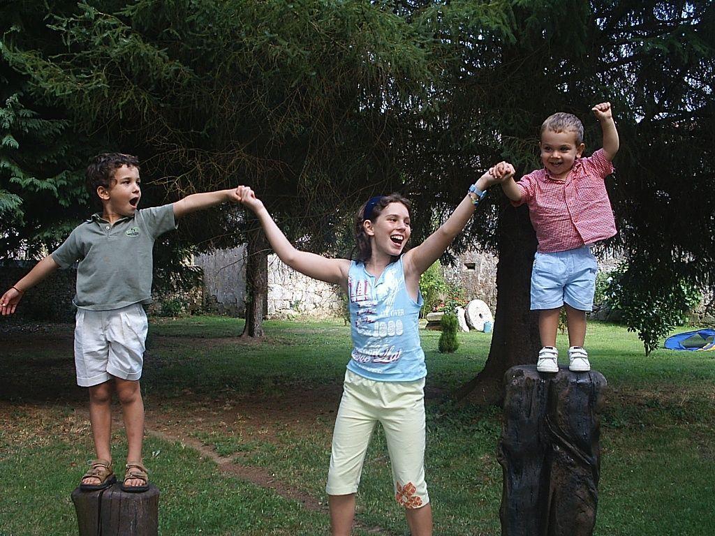 Niños, antes de la cuarentena, jugando.