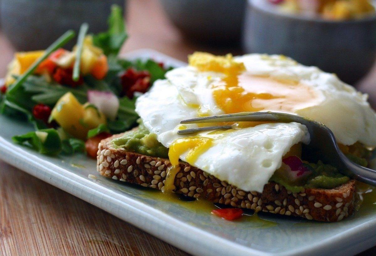 Por qué desayunar huevos camperos puede ayudar a tus hijos a terminar mejor el curso