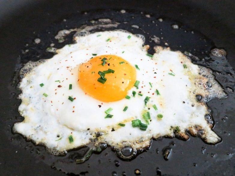 Huevo frito: un básico dentro de los menús baratos con huevos