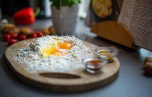 Cómo la ciencia desmiente la relación entre huevos y el colesterol (y cómo empezó ese falso mito)