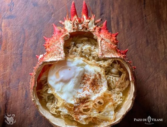 Centollo relleno con huevo campero Pazo de Vilane