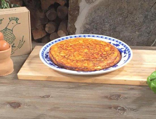 Tortilla paisana hecha con huevos camperos Pazo de Vilane